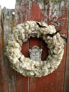 6 Halloween Wreaths That Are Sweet and a Little Scary | The Stir