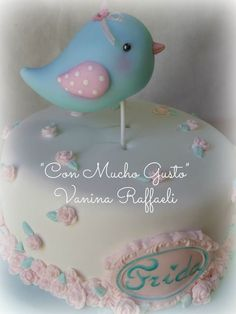 pajarito porcelana fria Baby Shower Cakes, Baby Shower Parties, Biscuit, Shabby Chic, Fondant Animals, Baby Shawer, Bird Theme, Peace And Love, Cute Babies