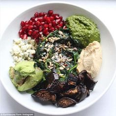 power bowl to replicate - 5 per cent lean protein, 25 per cent whole grains, 35 per cent vegetables, 10 per cent sauce and 30 per cent extras (including nuts, seeds and sprouts)