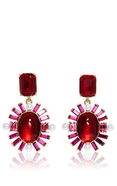 These **Oscar de la Renta** earrings feature glass bead detailing in bordeaux red and pink, with pearl embellishment.