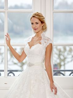 #wedding #bride #dress #weddingdress #dianelegrand