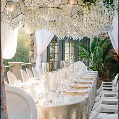 Loved the opposite side of evil...#good. This was a private dinner for a very important group of humans. This #angelic feel Gets me. Loved our custom white #acylic tabletop mixed with #wisteria and all the fixings! @kristamasonphotography @sterlingengagements @luxe_linen @arentalconnection @lounge_appeal
