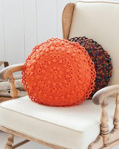 Free round pillow crochet pattern - would do multiple colors and put beads around edges