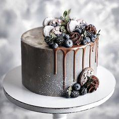 Gorgeous Cakes, Pretty Cakes, Amazing Cakes, No Bake Blueberry Cheesecake, Traditional Cakes, Small Cake, Elegant Cakes, Drip Cakes, Fancy Cakes