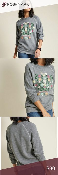 ModCloth Salutations in Bloom Sweatshirt Sz XL New without tags attached and in perfect condition super soft. Modcloth Tops Sweatshirts & Hoodies