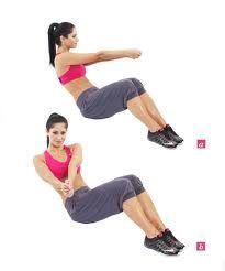 Oefening van de dag:   Russian twist! Een heftige buikspier oefening die je overal kan uitvoeren.    Ga zitten. Leun achterover en laat de benen zweven. Trek de rug hol en strek de armen. Beweeg nu met je romp van links naar rechts.