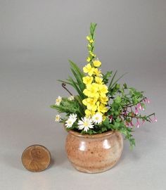 Dollhouse miniature 1/12th scale  gladiola planter by Mary Kinloch IGMA fellow
