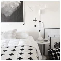 Chic black & white theme bedroom  Stylizimo - Home. Decor. Inspiration.