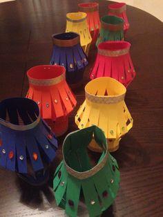 Paper lanterns for Diwai - Fun craft project with kids [india] Diwali Eyfs, Diwali Craft, Diwali For Kids, New Year's Crafts, Holiday Crafts, Fun Crafts, Card Crafts, Diwali Fireworks, Diwali Activities