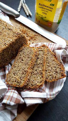 Kulinarikus: Superfoods on top: glutenfreies Quinoa-Buchweizen-Brot mit Hirse und Leinsamen