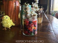 Looking for easy Easter decorations to put together with your kids or at the last minute? If you are anything like me, you have a few (dozen!) mason jars around the house. Let's put them to use!