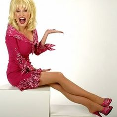 The Country Music Star.Dolly is Awesome! Best Country Music, Country Music Artists, Country Music Stars, Country Singers, Blonde Jokes, Pantyhosed Legs, Dolly Parton, In Pantyhose, Nylons