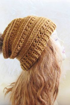 This FREE crochet beanie hat pattern includes sizes Baby, Toddler, Kids , and Woman. You can use this pattern to make a slouchy hat for every girl in your family. The step by step tutorial is detailed enough for advanced beginners. Slouchy Beanie Pattern, Beanie Pattern Free, Crochet Slouchy Beanie, Crochet Beanie Pattern, Crochet Patterns, Crochet Hats, Free Pattern, Slouch Hats, Hat Patterns