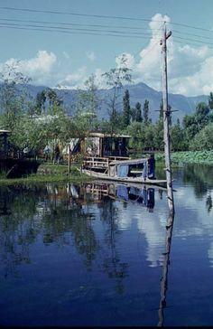 House afloat - Kashmir