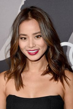 Red Carpet Makeup Look Picture Description Jamie Chung at the 2015 Audi Golden Globes Week celebration. Short Hairstyles 2015, Short Layered Haircuts, Summer Hairstyles, Pretty Hairstyles, Bob Hairstyles, Short Hair Cuts, Casual Hairstyles, Pixie Haircuts, Braided Hairstyles
