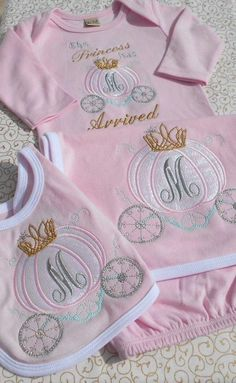 Custom, Initial Monogram, Machine Embroidered, Applique 3 Piece Infant Gown, Bib and Burp Cloth Baby Embroidery, Embroidery Monogram, Embroidery Ideas, Machine Embroidery Projects, Machine Embroidery Applique, Monogram Machine, Baby Gown, Baby Gift Sets, Applique Designs