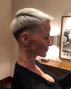 2,705 отметок «Нравится», 27 комментариев — #BuzzCutFeed (@buzzcutfeed) в Instagram: «Nika's Fresh Cut  Model @nikadone  Cut By @bengo_barber »