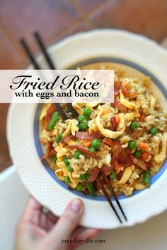Classic eggs and bacon fried rice with soy sauce, ginger and peas. An easy peasy lunch and a great way to use that leftover cooked rice! Bacon Fried Rice Recipe, Fried Rice With Egg, Easy Egg Recipes, Rice Recipes, Dinner Recipes, Savoury Recipes, Kitchen Aid Recipes, Bacon Fries, Best Bacon