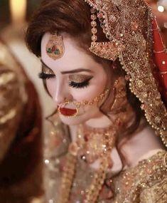 Here are many bridal pics having gorgeous make up. Pakistani Bridal Makeup, Pakistani Wedding Outfits, Bridal Outfits, Eid Outfits, Formal Outfits, Wedding Looks, Wedding Wear, Bridal Looks, Bridal Makeover
