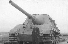 German superschwere panzerjäger  Jagdtiger (Super heavy tank destroyer Jagdtiger (Hunting Tiger))