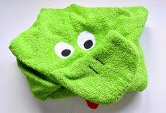 El Rincon de Fri-Fri: Tutorial toalla con capucha para bebé