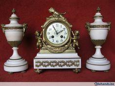 19de eeuwse marmeren pendule met cassauletten