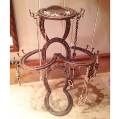 Awesome Incredibly DIY Rustic Jewelry Rack Ideas - Page 9 of 9 - Cowgirl Magazine, Welding Crafts, Welding Art Projects, Diy Welding, Metal Projects, Metal Crafts, Welding Tools, Welding Design, Diy Projects, Horseshoe Projects