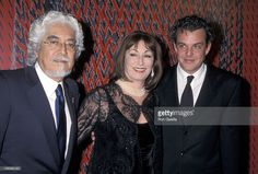 robert-graham-anjelica-huston-and-danny-huston-during-valentinos-40th-picture-id156089120 (1024×694)