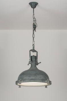 Stoere industriële hanglamp in beton grijze uitvoering. Deze hanglamp heeft een stoer, industrieel ontwerp met een enigszins doorleefd uiterlijk! Verlichting bij : Shop nu via deze Link bij :  :  http://www.rietveldlicht.nl/artikel/hanglamp-72068-klassiek-retro-industrie-look-metaal-rond
