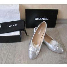 Tip: Chanel Flats (Silver)