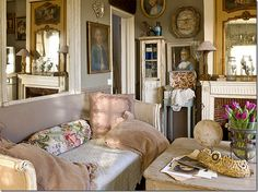 Room decor picture from the French magazine, Campagne