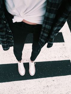 Neo Grunge, Grunge Style, Fall Winter Outfits, Autumn Winter Fashion, Summer Outfits, Casual Outfits, Flannel And Leggings, Black Leggings Outfit, Cute Outfits With Leggings