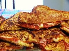 pizza grilled cheese Recipe...why hadn't I thought of this before for the kids!?!