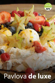 Pavlova, Food Tips, Food Hacks, I Love Food, Fruit Salad, Food And Drink, Sweets, Cakes, Baking
