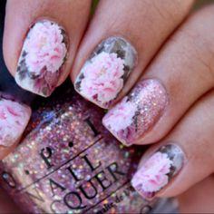 pretty sparkle romantic nails <3