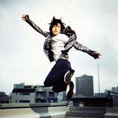 Kazunari Ninomiya on a Japanese rooftop somewhere Ninomiya Kazunari, Latest Music, Good Looking Men, Best Actor, Cute Guys, The Magicians, Boy Bands, How To Look Better, Dancer