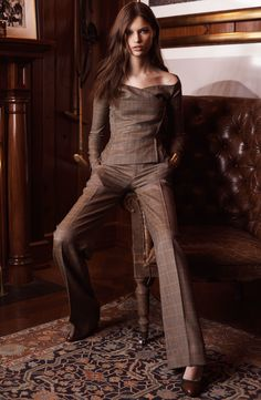 See the complete Ralph Lauren Pre-Fall 2017 collection. The complete Ralph Lauren Pre-Fall 2017 fashion show now on Vogue Runway. Fall Fashion Trends, Fashion 2017, Look Fashion, Teen Fashion, Winter Fashion, Fashion Outfits, Fashion Design, Womens Fashion, Curvy Fashion