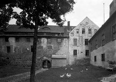 Insterburg, Altes Schloss - Nordwestflügel des Haupthauses mit dem Tor zwischen Vorburg und Haupthaus