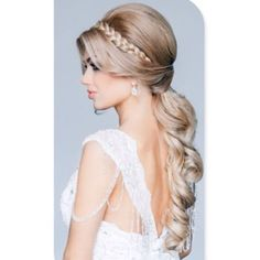 #hair #hairupdo #cheveuxlongs #curlyhair #weddinghair #makeup #longhair#braids#hairbun#hairstyle#instahair#capellilunghi#promhair#beautifulhair#blonde#brunette#hairpost#hairandmakeup#ombrehair#hairsalon#langhaar#haircolor#pelolargo#ponytail#salonhair#Capellilunghi #تسريحات #صبغات #ستايل #شعر - @worldhairstyles- #webstagram