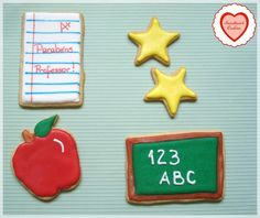 Caixa com 05 biscoitos decorados para o dia dos professores Contém 03 bolachas médias e 02 pequenas. Biscoitos amanteigados sabor baunilha coberto com glacê real.  São embalados individualmente em saquinhos próprios para alimentos, acondicionados em caixa de papel forrada com papel de seda. R$12,50