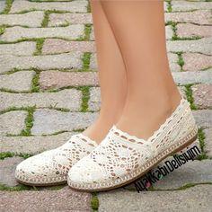 Crochet Sandals, Crochet Shoes, Wearable Art, Beauty Women, Espadrilles, Crochet Patterns, Fashion, Dressy Flat Shoes, Loafers & Slip Ons