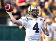 Buck Pierce - Winnipeg Blue Bombers QB true to blue until he retired in 2013 and comes back to the team as a coach in He took hit after hit due to a weak offense lines and kept on ticking. Big Fan here! Winnipeg Blue Bombers, Football Helmets, Football Stuff, Canadian Football League, Win Or Lose, Home Team, Sports, Husband, Action