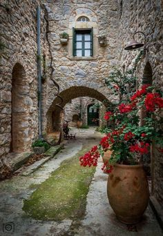 gyclli: Medieval house in Southern Chios island, Greece. Medieval house / Valantis Zoumis Medieval house in Southern Chios island, Greece Mykonos, Places Around The World, Around The Worlds, Beautiful World, Beautiful Places, House Beautiful, Simply Beautiful, Chios Greece, Crete