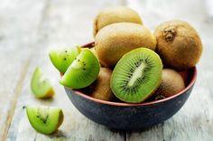 kiwi per preparazione frullato melone e kiwi