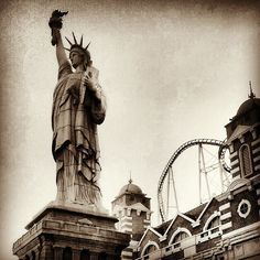 Lady Liberty Las Vegas at New York New York Hotel by WendysHat, via Flickr Las Vegas Love, Teeth In A Day, New York Hotels, Vegas Style, Ellis Island, Las Vegas Hotels, Dental Implants, Blogger Style, Statue Of Liberty