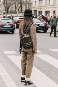 20 Fall Street Style Looks To Copy From Paris Fashion snapped by collage Vintage Gala Gonzalez, Moda Paris, Street Style Blog, Street Style Looks, How To Have Style, My Style, Estilo Street, Paris Fashion Week, Look Cool