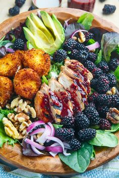 Blackberry Balsamic Grilled Chicken Salad with Crispy Fried Goat Cheese summer recipes summer recipes abendessen rezepte recipes recipes dessert recipes dinner Salad With Chicken, Fried Goat Cheese, Goat Cheese Salad, Balsamic Grilled Chicken, Grilled Fruit, Roasted Chicken, Goat Cheese Recipes, Cheese Food, Summer Salads