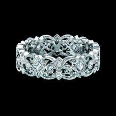 fleur di lis ring - love this