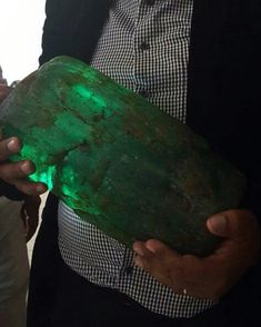 One of the largest emeralds ever found was recently extracted from the Chivor mine in Colombia. It's not every day we get to witness such an incredible size for an emerald. Photo courtesy of JR Emeralds. Green Gemstones, Minerals And Gemstones, Crystals Minerals, Rocks And Minerals, Stones And Crystals, Agate Jewelry, Cool Rocks, Colombian Emeralds, Emerald Stone