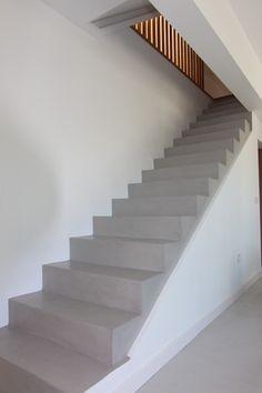 escalera sevilla